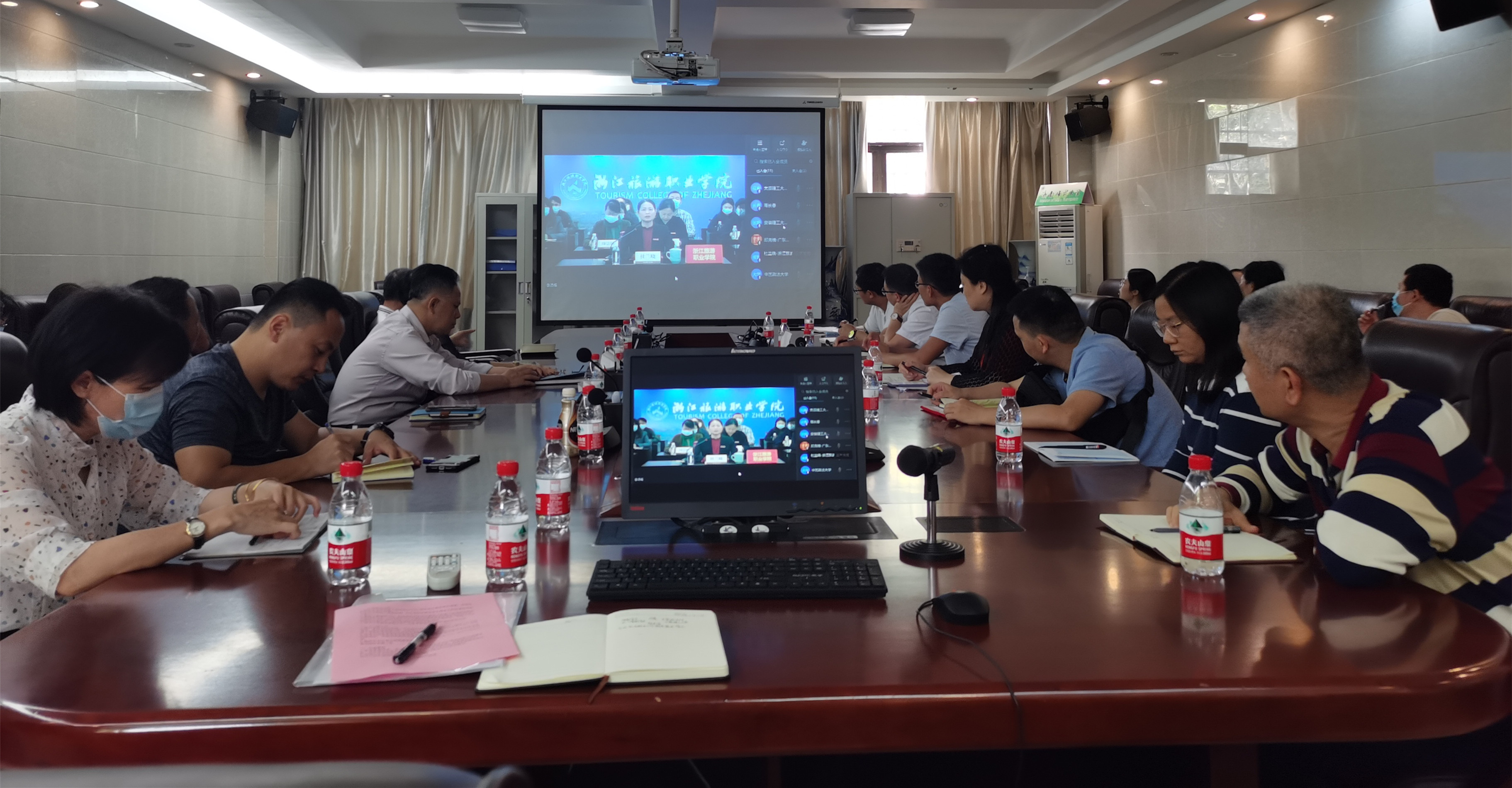 我校组织参加教育部2021届普通高校毕业生就业工作第二次调度视频会议.jpg